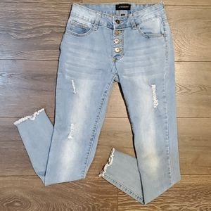 ❤THE STYLE BETWEEN US SKINNY JEANS, SIZE 3